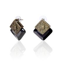 Серьги с красивым черным камнем