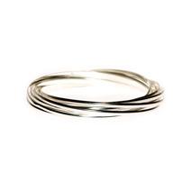Оригинальный браслет заплетенный из тонких колец